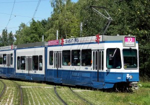https://de.wikipedia.org/wiki/VBZ_Be_4/6_%28Tram_2000%29#/media/File:Zurich_Be_4-8_Saenfte_2110_Milchbuck.jpg